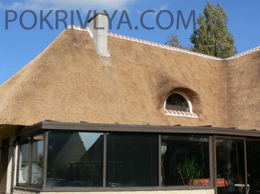 Влаштування дахів з очерету та соломи